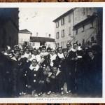 Carnevale ed.1924 Società San Luigi davanti alla chiesa distrutta