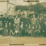 Don Carlo con i fratelle e sorelle e i parrocch.. A sin. Pietro Chinni