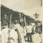 Processione dalla chiesa alla Madonnina della Serra con don Carlo Monari