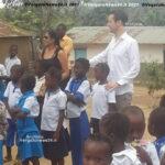 VN24_ambasciatore con moglie e ragazzi scuola agostini copy